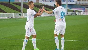 21января. Доха. «Аль-Увайнах»— «Зенит»— 0:10. Александр Кокорин (слева) вышел наполе скапитанской повязкой исделал хет-трик.
