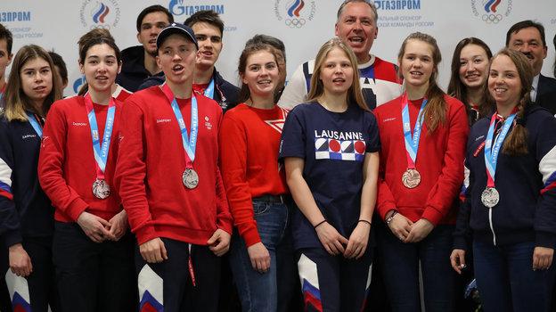 ВМоскве встретили команду России, впервые вистории одержавшую победу вмедальном зачете зимней юношеской Олимпиады