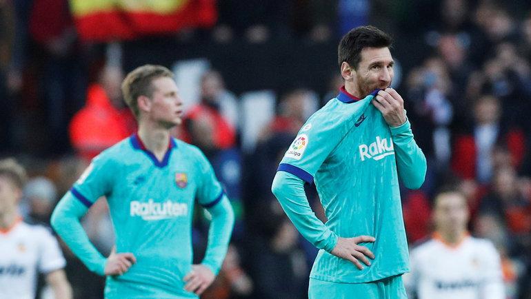 25января. Валенсия. «Валенсия»— «Барселона»— 2:0. Лионель Месси (напереднем плане). Фото Reuters