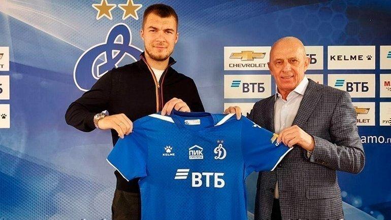 Николай Комличенко (слева) игендиректор «Динамо» Юрий Белкин. Фото ФК «Динамо»