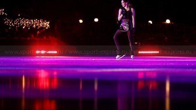 Алина Загитова на замерзшем озере. Фото Дарья Исаева, «СЭ» / Canon EOS-1D X Mark II