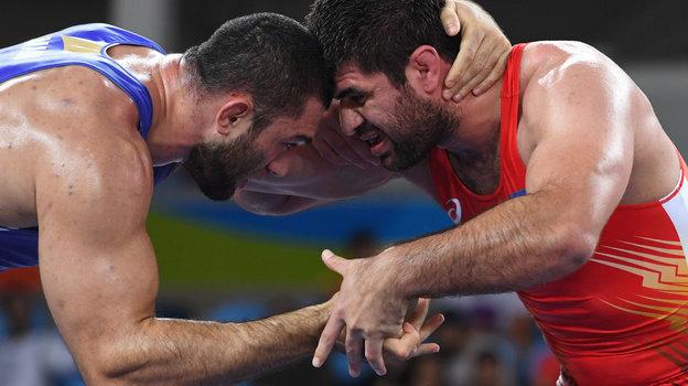 Ьилял Махов (слева). Фото AFP