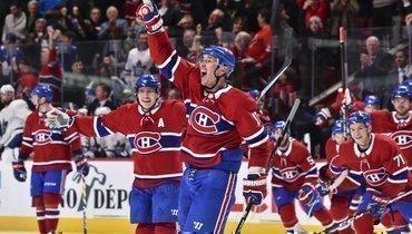 Илья Ковальчук празднует победную шайбу вворота «Торонто» (2:1 ОТ).