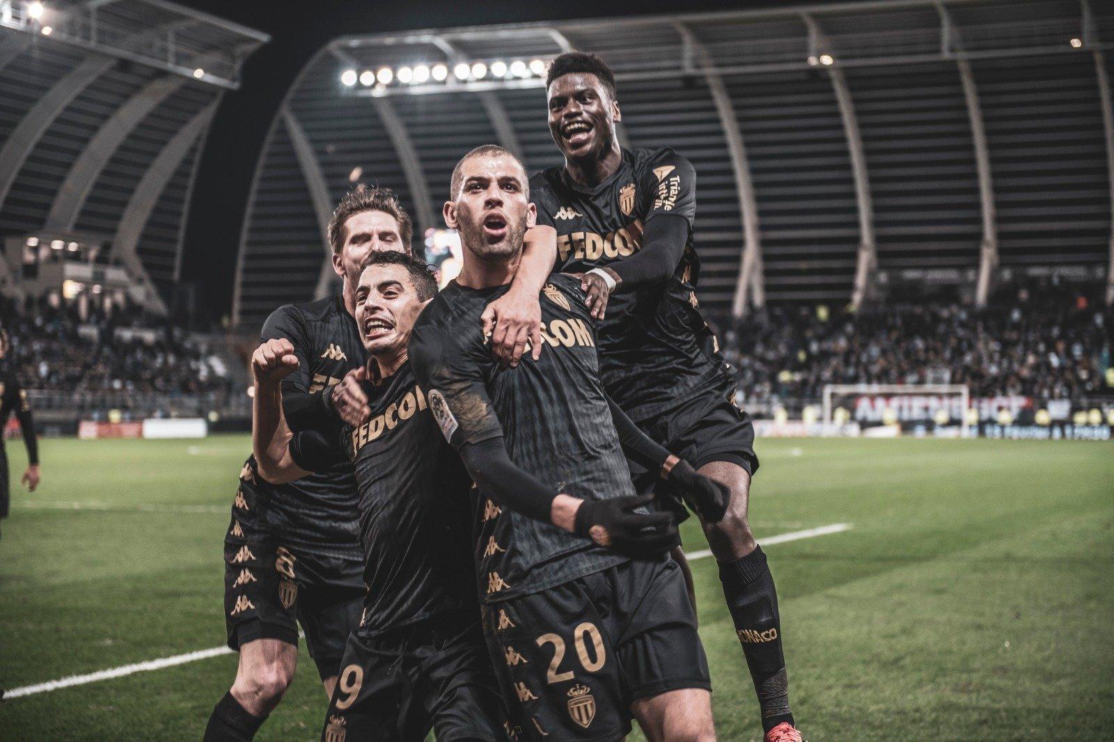 ФранцузскаЯ футбольнаЯ команда амьен