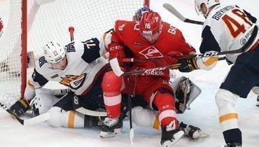 «Спартак» обыграл «Металлург» вчемпионате КХЛ ивышел вплей-офф.