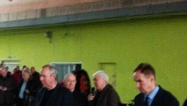 Никита Симонян иОлег Романцев приехали нацеремонию прощания сВалерием сРейнгольдом. Фото «СЭ»
