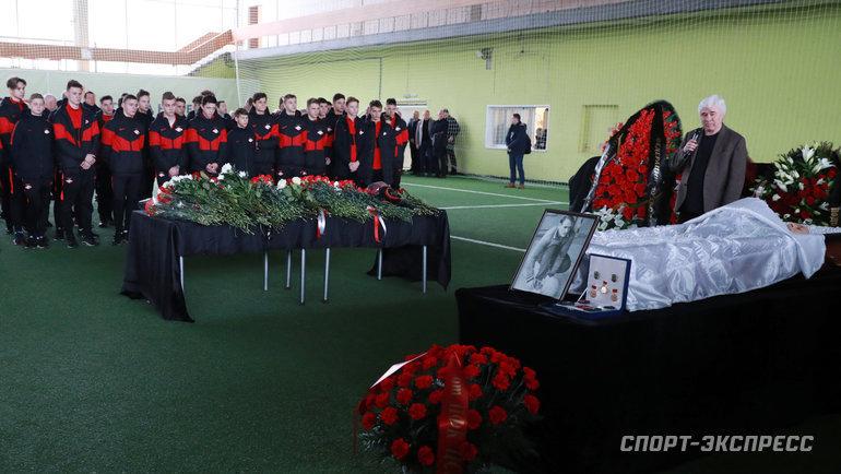 14февраля. Москва. Церемония прощания сВалерием Рейнгольдом.
