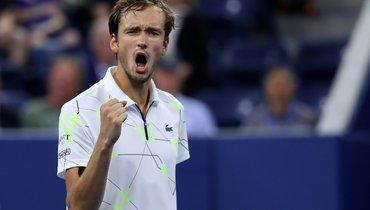 Медведев натурнире вМарселе победил Синнера, проиграв первый сет 1:6