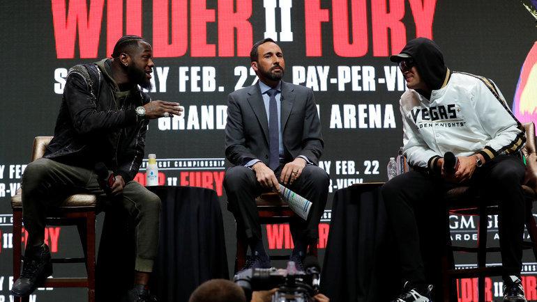Деонтей Уайлдер (слева) иТайсон Фьюри. Фото Reuters
