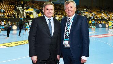 Михаэль Видерер иглава Федерации гандбола России Сергей Шишкарев (слева).