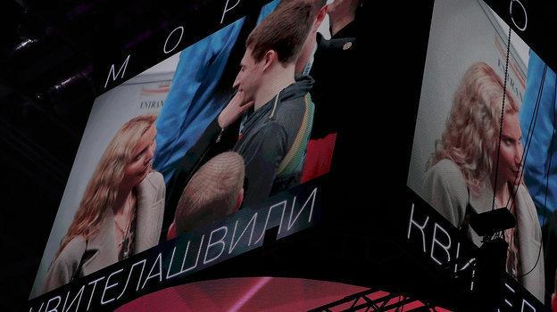 26февраля. Москва. Этери Тутберидзе иМорис Квителашвили натабло арены. Фото Александр Федоров, «СЭ» / Canon EOS-1D X Mark II