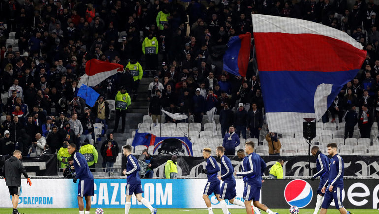 Фанаты «Лиона» устроили красочный перфоманс перед началом матча с «Ювентусом»