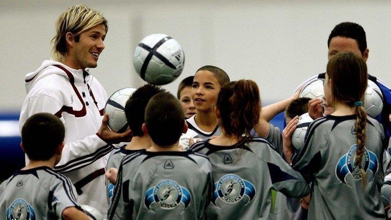 ВБритании детям могут запретить играть головой вовремя футбольных матчей. Фото Reuters