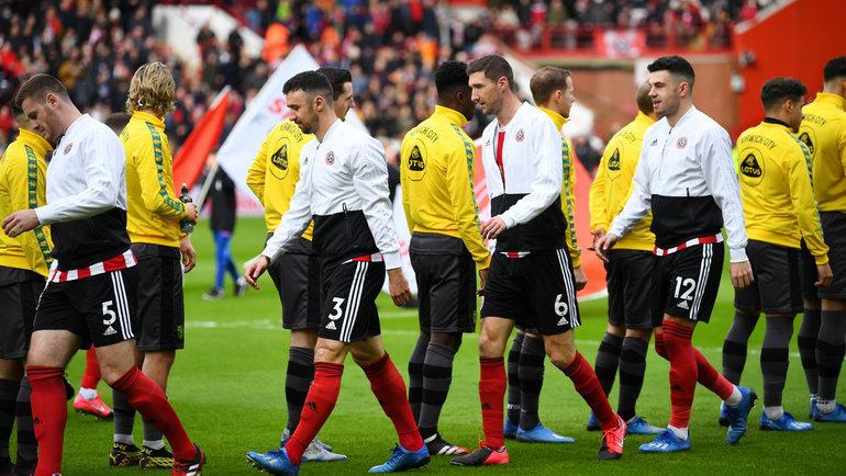Игроки впремьер-лиге перестали здороваться заруку перед началом матча. Фото Reuters