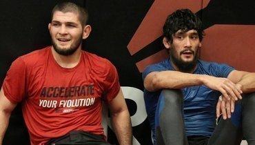 Хабиб Нурмагомедов (слева) иСалим Мухдинов.
