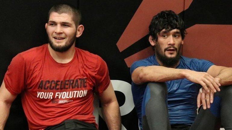 Хабиб Нурмагомедов (слева) иСалим Мухдинов. Фото instagram.com
