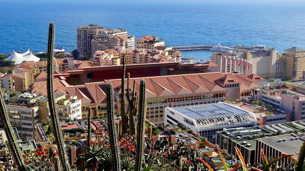 "Стадион Луи II в районе Фонвьей, в домах за стадионом живут многие игроки ""Монако"" и сам Головин. Фото Александр Бобров, ""СЭ"""