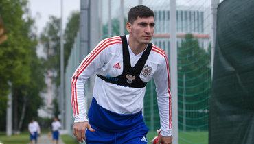 «Каждый футболист должен играть насвоих лучших качествах». Черчесов неопределил позицию Бакаева всборной