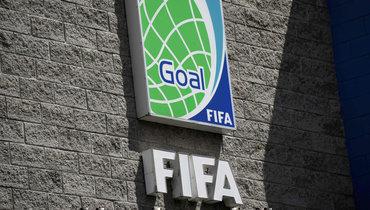 ФИФА предлагает свой вариант решения вопроса странсферами иконтрактами игроков из-за пандемии.