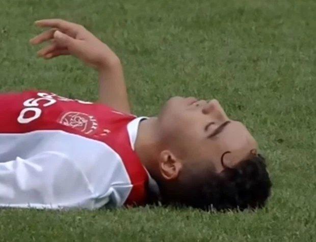 8июля 2017 года. Абдельхак Нури потерял сознание вовремя товарищеского матча с «Вердером».