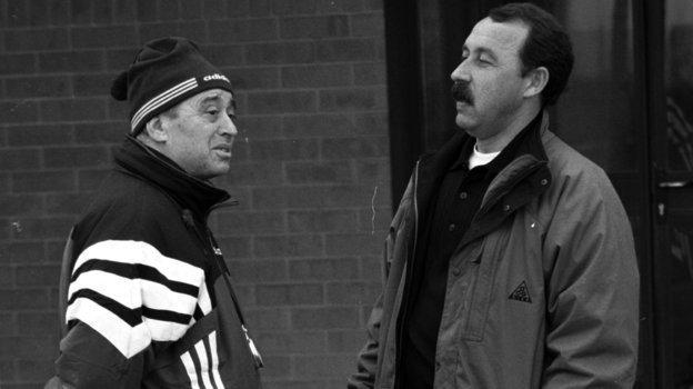 Адамас Голодец иВалерий Газзаев руководили игрой московского «Динамо» в1992 году. Фото Александр Вильф, -