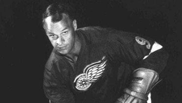 Сегодня великому канадскому хоккеисту Горди Хоу могло исполниться 92 года
