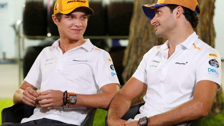 Пилоты «Макларена» Ландо Норрис (слева) иКарлос Сайнс. Фото Reuters