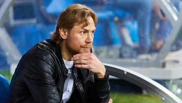 Мацей Вилюш: «Карпин подрался сохраной аэропорта, когда команду непустили погреться»