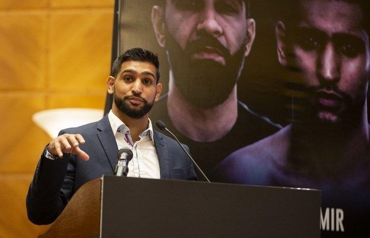 Экс-чемпион мира побоксу Амир Хан считает коронавирус мировым заговором