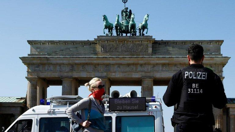Пословам Юрия Савичева, «Мигрантов вГермании опасаются неменьше коронавируса. Фото Reuters