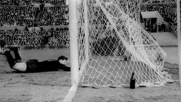 «Вратарь-гоняла». 59 лет назад голкипер Борис Разинский забил первый вистории советского футбола вратарский гол