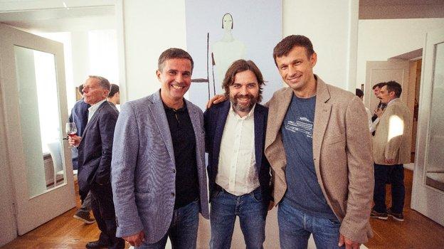 Георгий Кудинов (вцентре) сИгорем Симутенковым иСергеем Семаком вПетербурге летом 2019 года.