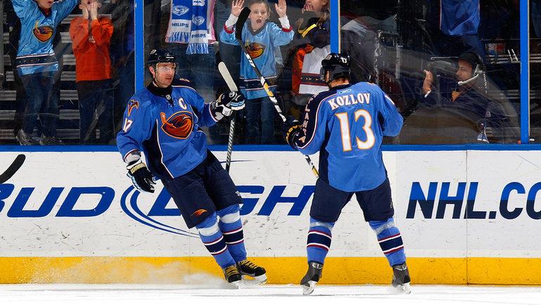 Илья Ковальчук иВячеслав Козлов в «Атланте». Фото AFP