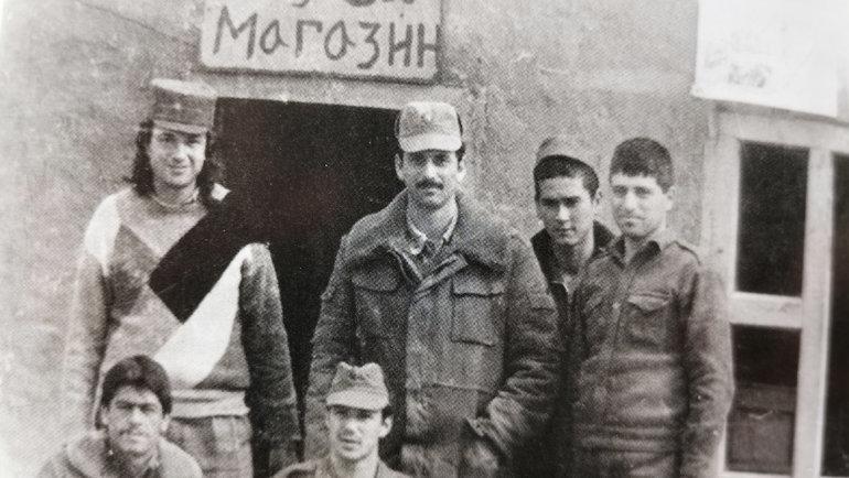 Юрий Давыдов (слева) вАфганистане. Фото изархива Юрия Давыдова