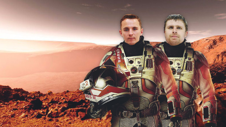 Игорь Еронко иИлья Брызгалов вобразе героев фильма «Марсианин».