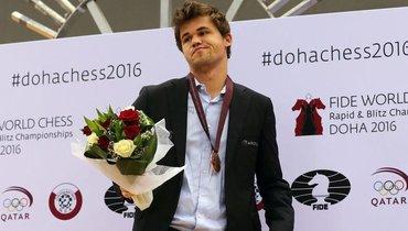 Карлсен обыграл Накамуру впервом туре онлайн-супертурнира