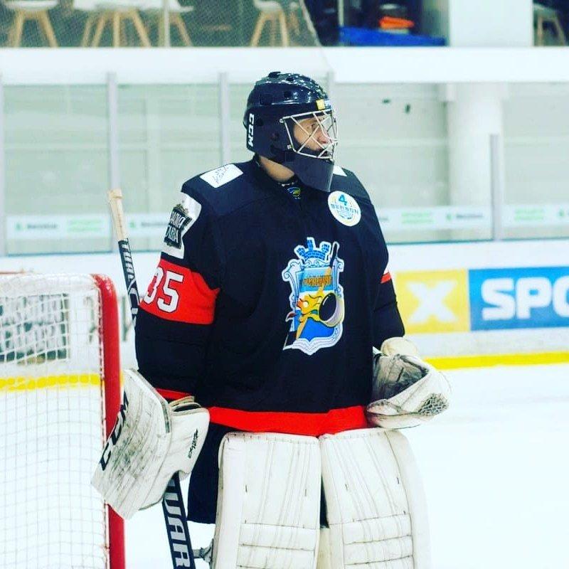 «Приехал вКременчуг, удивился— небыло даже намеков напроблемы между странами». Русский вратарь вукраинском хоккее