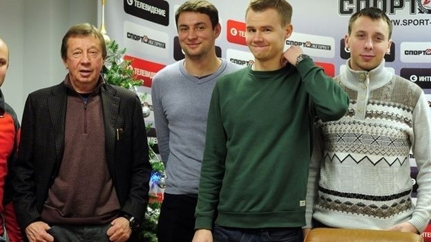 Кирилл Бурдаков (крайний справа) иего коллеги «СЭ» сЮрием Семиным. Фото «СЭ»