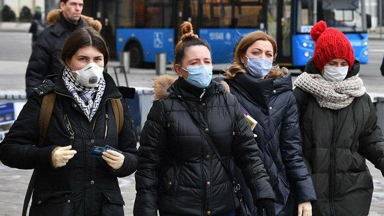 Девушки вмедицинских масках. Фото 360tv.ru