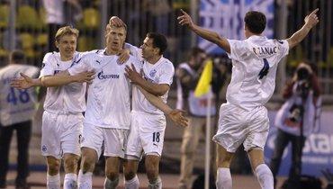 1мая 2008 года. Зенит— Бавария— 4:0. Футболисты «Зенита» празднуют гол.