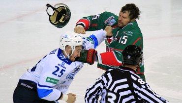 Дамир Рыспаев иАлександр Свитов. Фото photo.khl.ru, photo.khl.ru