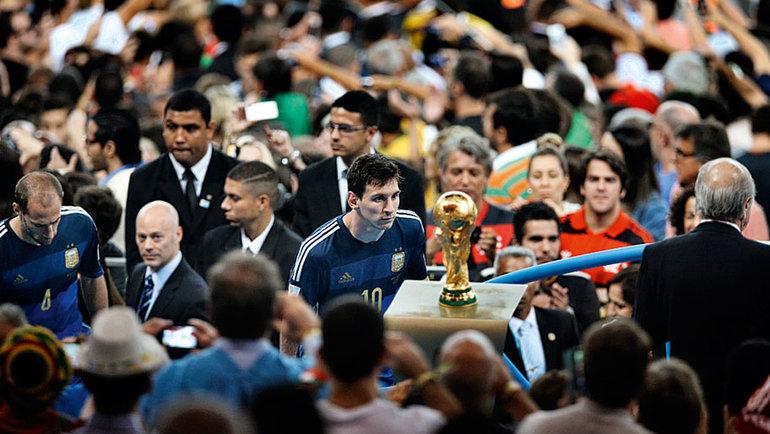13июля 2014 года. Рио-де-Жанейро. Германия— Аргентина— 1:0. Лионель Месси икубок мира. Фото Бао Тайланг, Reuters