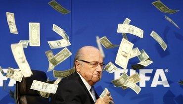 ВФИФА призывают Швейцарию продолжить расследование вотношении Блаттера