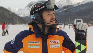 «Провожу ссервисменом больше времени, чем сженой». Цена побед лучшего горнолыжника России