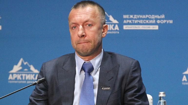 Загадочная смерть одного изсамых богатых россиян. Что будет с «Сибирью», которую онкурировал?