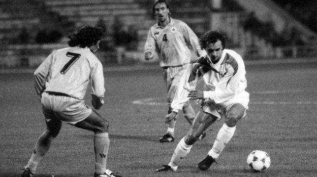 12октября 1994 года. Москва. Россия— Сан-Марино— 4:0. Игорь Шалимов (справа). Фото Юрий Широкогоров