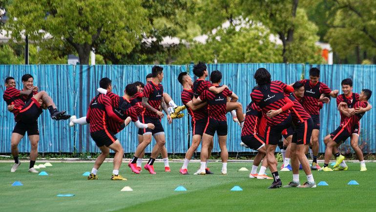 Тренировка «Шанхай Шанган». Фото Reuters