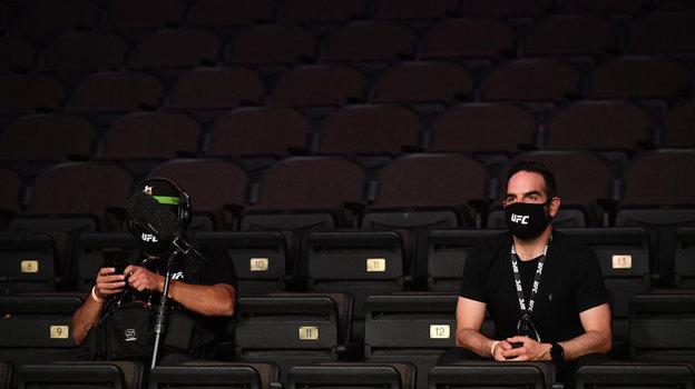 9мая. Джексонвилл. Все представители команд иСМИ использовали защитные маски исоблюдали дистанцию. Фото Reuters