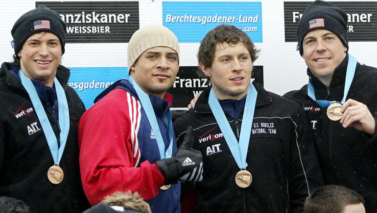 Павле Йованович (второй справа). Фото Reuters