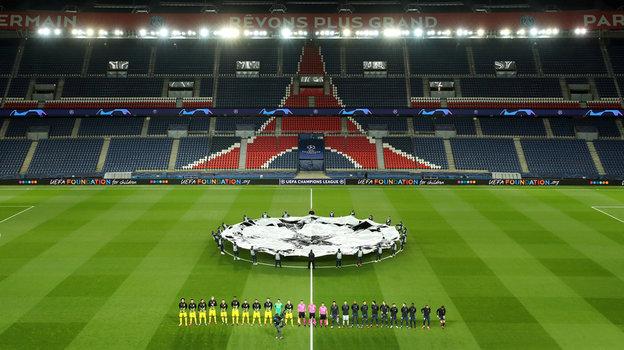 """""""ПСЖ"""" и """"Боруссия"""" в марте сыграли без зрителей: с тех пор сезон во Франции досрочно завершили, а в Германии первыми готовятся к рестарту. Фото Reuters"""